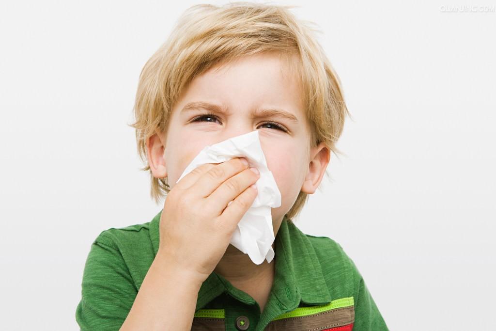 Эффективные способы лечения насморка у детей. Фото